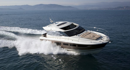 Motorboat charter in Ibiza